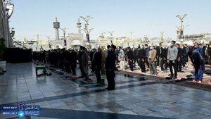 اقامه نماز ظهر روز اربعین در حرم رضوی