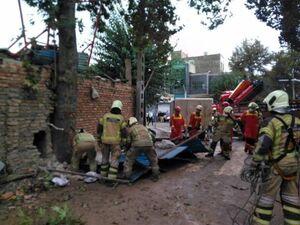 فیلم/ آواربرداری از ساختمان فرو ریخته در خیابان ابوذر
