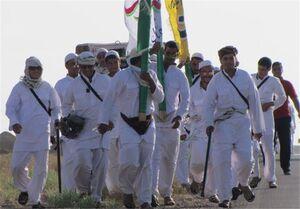 ممنوعیت تردد زائران پیاده به سمت مشهد مقدس / پرچم امام رضا(ع) به روستاها میرود