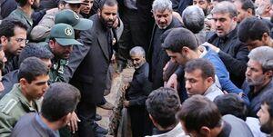 حاج قاسم سلیمانی کدام شهید را به خاک سپرد؟ +عکس