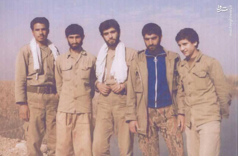شهيد محمدتقی مددی قالیباف(نفر وسط) فرمانده توپخانه لشگر21 امام رضا(ع)