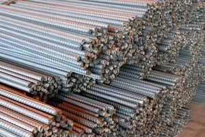 قرائت گزارش مربوط به قیمت فولاد و میلگرد در صحن مجلس