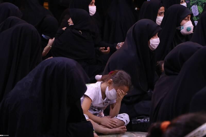 حضور کودکان به همراه خانواده در مراسم وداع با پیکر مدافع حرم شهید مهدی نظری