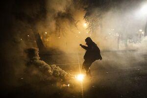 فیلم/ اعلام وضعیت شورش توسط پلیس پورتلند