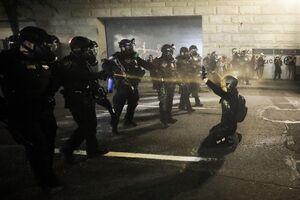 عکس/ ادامه سرکوب معترضان در پورتلند