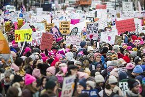 تظاهرات زنان علیه ترامپ در واشنگتن - کراپشده