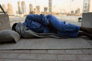 کارگرانی که در خیابانهای دبی کنار آسمان خراشها میخوابند