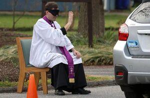 سیستم اقرار به گناه سیار برای مسیحیان +عکس