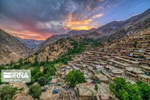تصویری زیبا از روستای پلکانی «سرآقاسید»