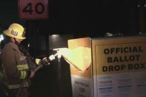آتش سوزی در داخل یک صندوق رأی در آمریکا/ آسیب جدی به آراء وارد شد