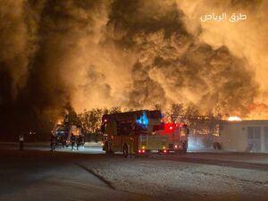 عکس/ آتشسوزی مهیب در کارخانه گوگرد سازی عربستان