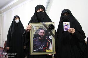 عکس/ دیدار جمعی از همسران شهدا با خانواده شهید محمدی