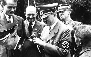 حراج دست نوشته های هیتلر در مونیخ