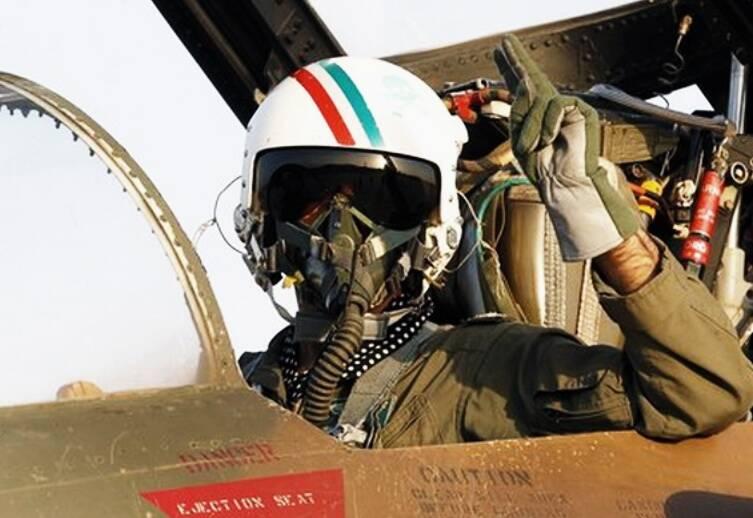منافقین کدام خلبان ایرانی را خفه کردند و به شهادت رساندند؟
