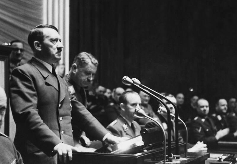 2958614 - حراج دست نوشته های هیتلر در مونیخ