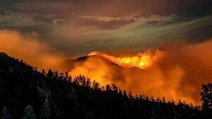 آتش سوزی گسترده در کالیفرنیا؛ شهروندان منازل را تخلیه کنند