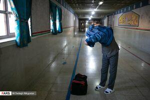 عکس/ آزادی زندانی با هزینه سفر اربعین