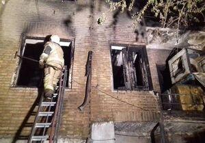 آتشسوزی ساختمان ۳ طبقه در خیابان ولیعصر + فیلم و عکس