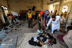 عکس/ انفجار در پیشاور با دهها کشته و زخمی