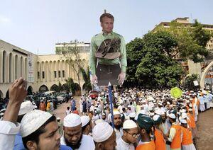 عکس/ خروش مسلمانان بنگلادش علیه فرانسه