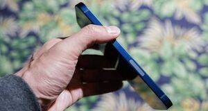 شکایت خریداران آیفون ۱۲ از لبه های تیز گوشی+ویدیو