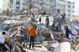 فیلم/ واکنش مردم ازمیر در لحظه وقوع زلزله