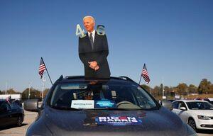عکس/ تبلیغات خلاقانه برای داغ کردن تنور انتخابات