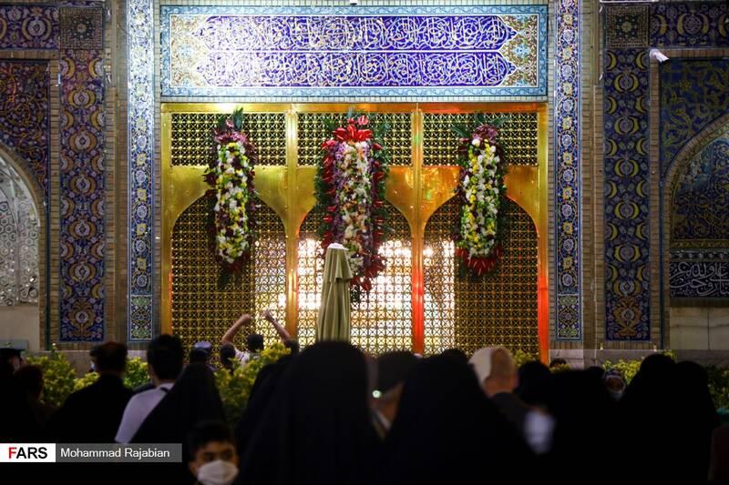 پنجره فولاد واقع در صحن انقلاب اسلامی حرم مطهر