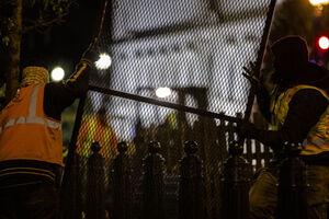 کاخ سفید تحت محافظت شدید قرار گرفت+تصویر