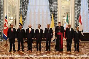 تقدیم استوارنامه سفیر ایران به  رئیسجمهور بلاروس +عکس