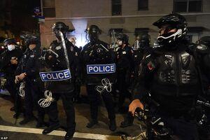 فیلم/ یورش گسترده پلیس در خیابانهای آمریکا