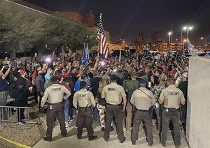 عکس/ آغاز فراخوان تجمع هواداران ترامپ در آریزونا