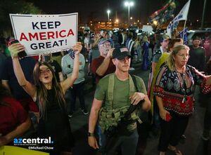 واکنش مقامات و رسانههای آمریکا به اعلام زودهنگام پیروزی ترامپ
