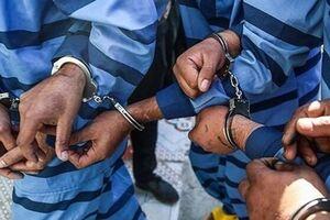 دستگیری اعضای باند 5 نفره سارقان مسلح کمتر از ۲ ساعت در اهواز - کراپشده