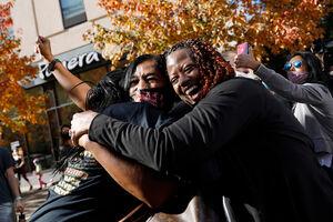 عکس/شادی حامیان بایدن در خیابانها