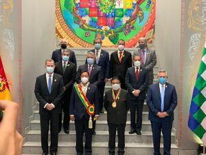 عکس یادگاری مقامات سیاسی خارجی در مراسم تحلیف رییس جمهور بولیوی