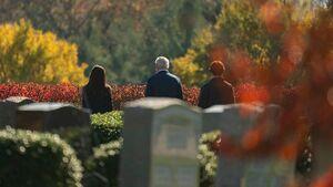 مردههایی که برای رای به بایدن از قبر بیرون آمدند!