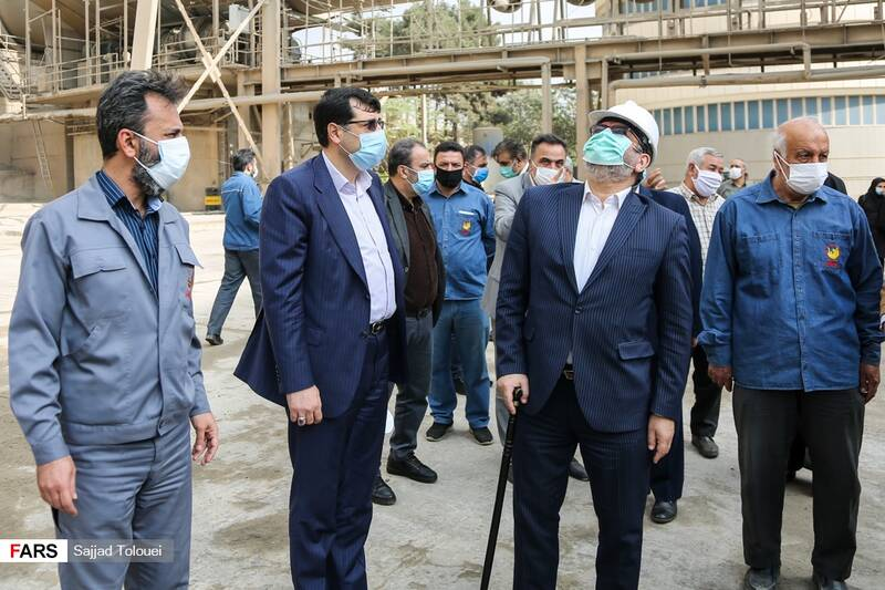 بازدید نمایندگان تهران از کارخانه سیمان ری عبدالحسین روح الامینی نماینده تهران