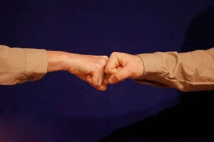 دست دادن نمایه مشت زدن نمایه سلامت کرونا