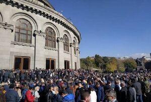 ضرب الاجل مخالفان دولت ارمنستان به پاشینیان برای کناره گیری
