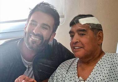 اولین عکس مارادونا بعد از عمل جراحی منتشر شد
