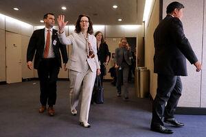 خروج معنا دار رییس سیا از کاخ سفید