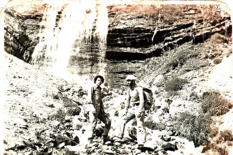 شهید حاج رضا قائمی(نفر سمت راست)