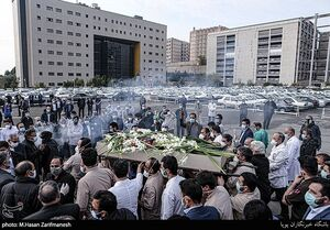 عکس/ وداع با شهید مدافع سلامت در بیمارستان بقیه الله
