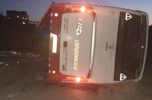 واژگونی اتوبوس در محور میامی -سبزوار