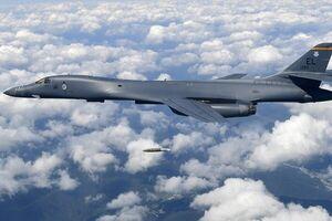 تجهیز ارتش آمریکا به بمبافکن در گوام برای مقابله با چین