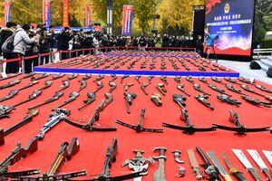 عکس/ کشف سلاح و مهمات جنگی در چین