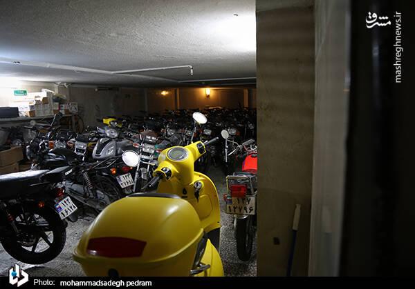 2982124 - عکس/ کشف انبار احتکار موتورسیکلت در تهران