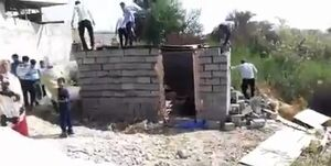توضیحات شهردار و معاونش درباره تخریب آلونک یک زن سرپرست خانوار در بندرعباس