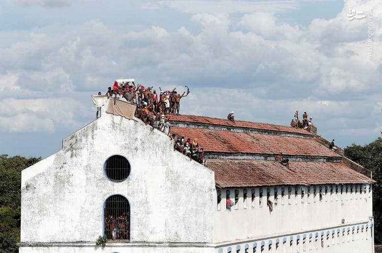 2983361 - عکس/ شورش زندانیان در سریلانکا